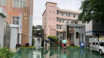 Késeléses támadás volt egy dél-kínai iskolában, negyvenen megsérültek