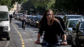 Ha egy gyerek nem tud biciklizni a városban, autós lesz belőle