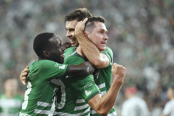 Nguen Tokmac, Ihor Haratyin és Mikalaj Szihnevics örül a harmadik gólnak a labdarúgó Európa-liga 4. fordulójában játszott Ferencváros-FK Suduva (litván) visszavágó mérkőzésen a Groupama Arénában 2019. augusztus 29-én.