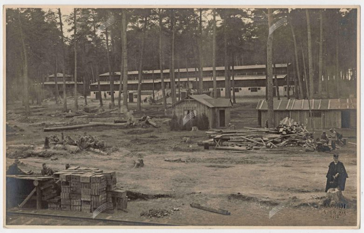 Tábori kórház az erdőben, a Photo Kilophot képe 1915-ből, a helyszín ismeretlen