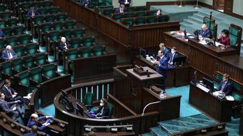 Megszavazta a munkanélküli segély emelését a lengyel parlament