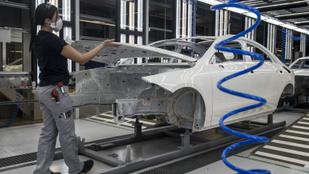 Brutálisan visszaesett áprilisban az ipari termelés a járvány miatt