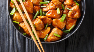 Csirkés-zöldbabos stir fry egyszerűen – ehhez az egzotikus fogáshoz nem kell speciális boltba menned