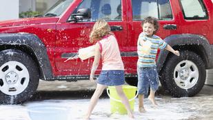 Így mosd le az autódat a tökéletes végeredményért!
