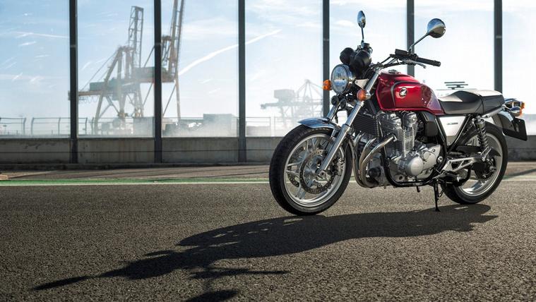 Honda CB1100 00045