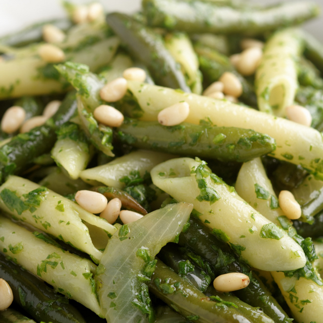 Gyors és laktató tészta roppanós zöldbabbal: bazsalikomtól friss az íze