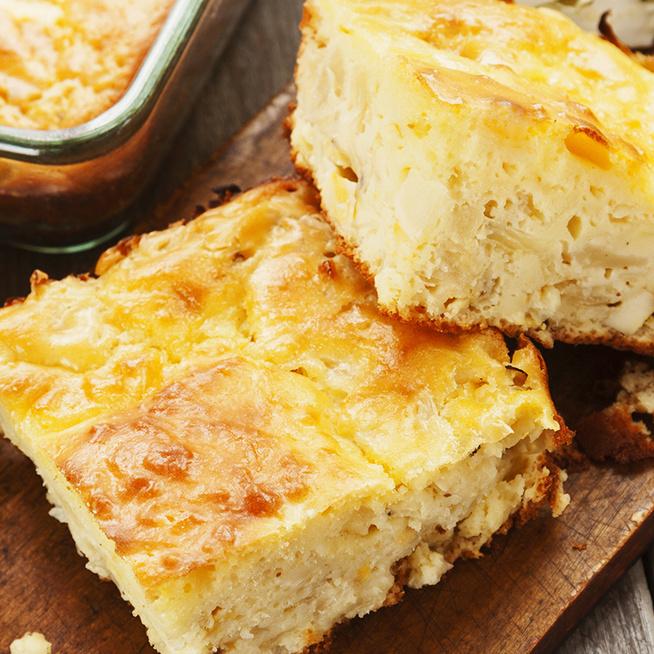 Olcsó és nagyon laktató káposztás lepény – A tészta joghurttól lesz szaftos és könnyű
