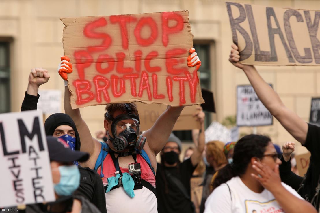 George Floyd halála és a rendőri brutalitás miatt tiltakozók Buffalóban 2020. június 5-én