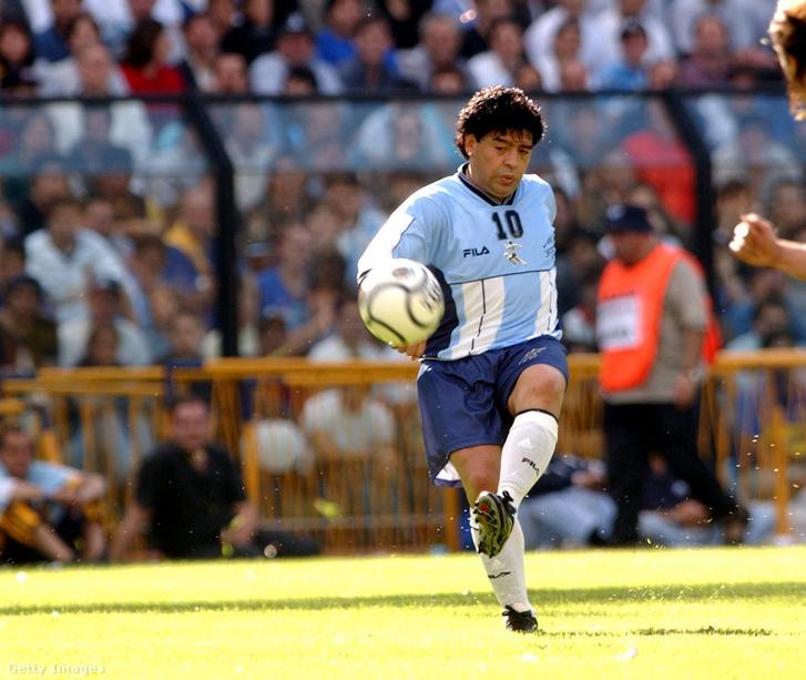 Maradona búcsúmeccs 2001. november 10-én a Buenos Aires-i La Bombonera-steadionban