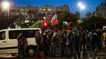 Tel-Avivban több ezer izraeli tüntetett Ciszjordánia készülő megszállása ellen