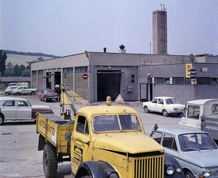Ilyenek voltak az autómentő kocsik - GAZ Molotov teherautó, hátán daruval