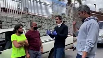 Meglett a venezuelai ellenzék vezetője, a utcán üdvözölte az embereket