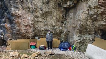 A Budai-hegység hegymászó remetéje, aki világ körüli útról álmodik