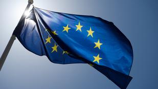 Miért 12 csillag van az EU zászlaján?