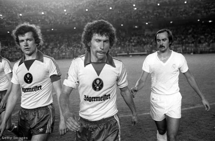 Paul Breitner középen (1977)
