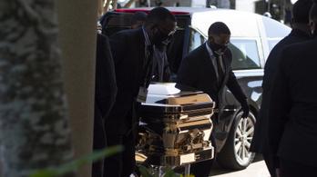 Tömegek álltak sorba Houstonban, hogy végső búcsút vegyenek George Floydtól