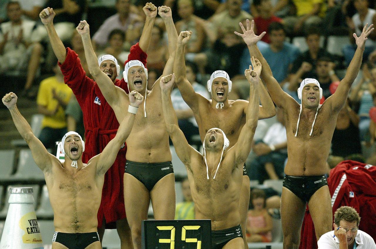 Itt már az olaszok legyőzésének örülnek 2003-ban. Benedek akkor még Olaszországban játszott.