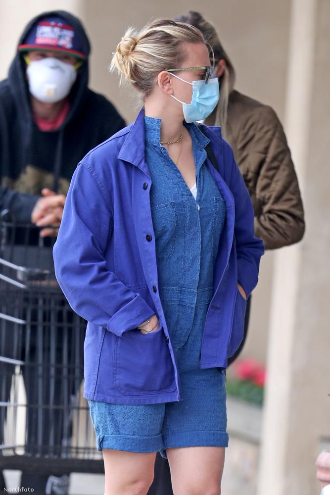 Május 28-ra a maszk maradt, de még lengébb és kényelmesebb Johansson öltözéke.