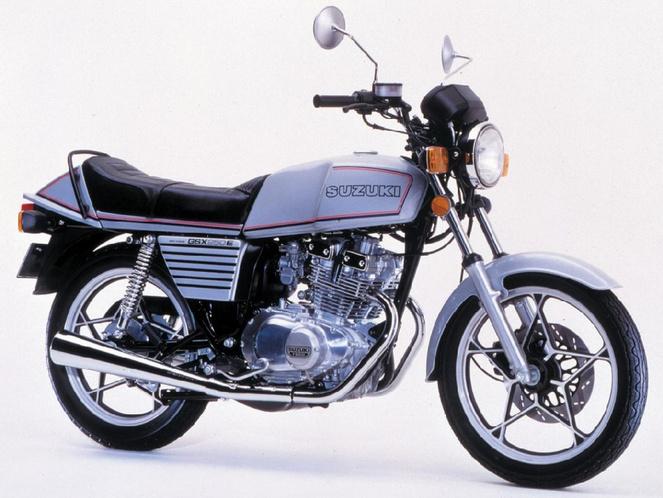 suzuki-gsx-250-e-black-hawk-1981-3