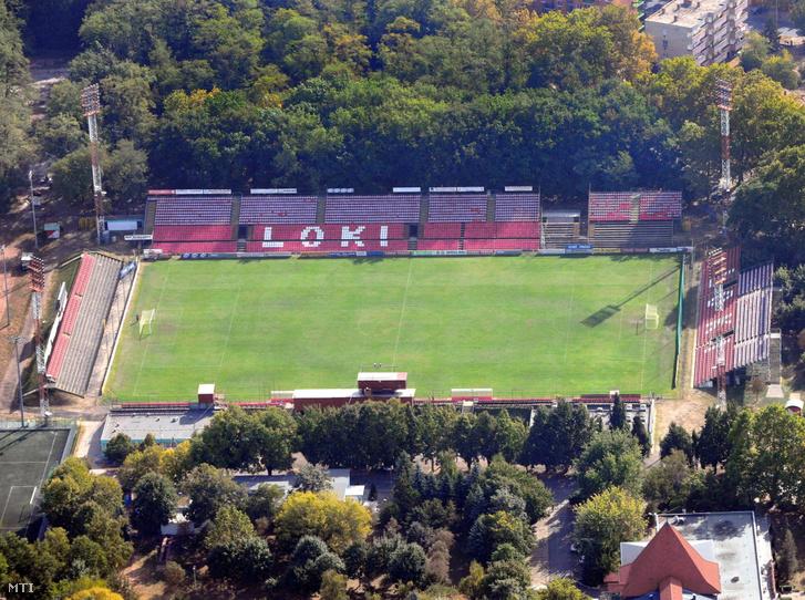 Az Oláh Gábor utcai Stadion, a DVSC labdarúgó csapatának egykori pályája egy 2011-es légifotón.