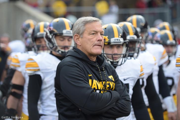 Kirk Ferentz, az Iowa Hawkeyes amerikaifutball-csapatának vezetőedzője