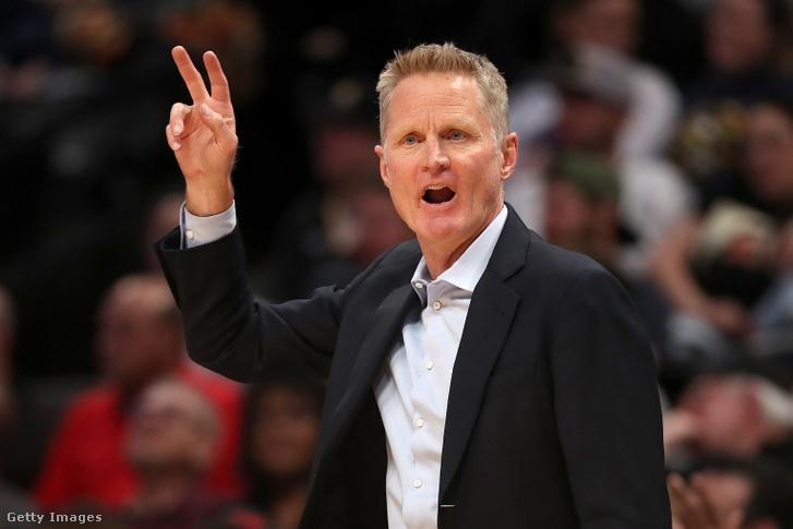 A most 54 éves Steve Kerr a Golden State edzőjeként