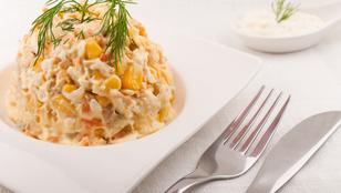 Kapros-kukoricás csirkemellsaláta zellerrel – ezt akár a gyerekek is összedobják a családnak