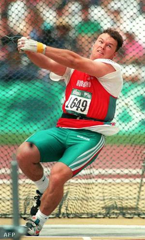 Kiss Balázs az atlantai nyári olimpia kalapácsvető-versenyének döntőjében 1996-ban.