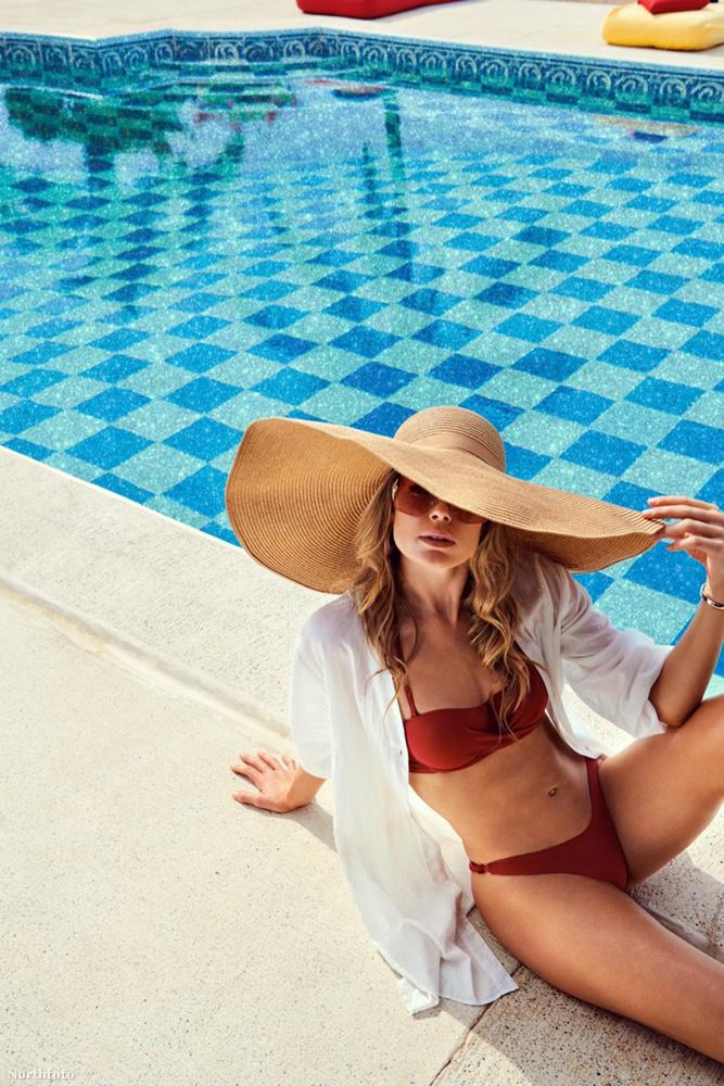 Reméljük, valamilyen formában önnek is lehetősége adódik ezen a nyáron, hogy Kroeséhoz hasonló előkelőséggel kifeküdjön egy medence mellé, vagy egy tópartra