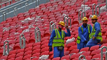 Hónapokig nem fizették ki a katari futball-vb stadionján dolgozó vendégmunkásokat