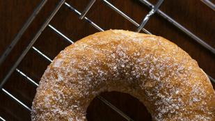 Készíts sütőben kókuszos fánkot a hétvégén!
