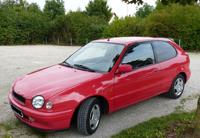 A békalámpás Toyota Corolla sincs a húsz legnépszerűbb autó közt. Pedig ott volna a helye