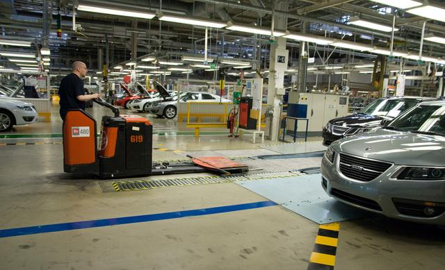 Álló gyártósorok előtt mutatkozott be az utolsó új Saab, a 9-5-ös