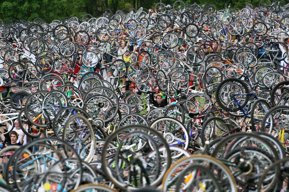 """""""Ez a bicikliemelés állásfoglalás. Ez a fertőzési pont, ha ezt ezrekkel együtt megcsinálod, akkor utána már nem tudsz nem biciklis lenni. Amikor leteszed a biciklit, akkor már elkötelezett vagy."""" - mesélte nekünk Kükü."""