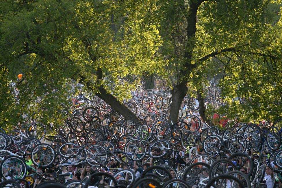 A CM 2004-es indulása után hamar népszerűvé vált , és évente kétszer több tízezer kerékpáros gyűlt össze a közös tekerésre.
