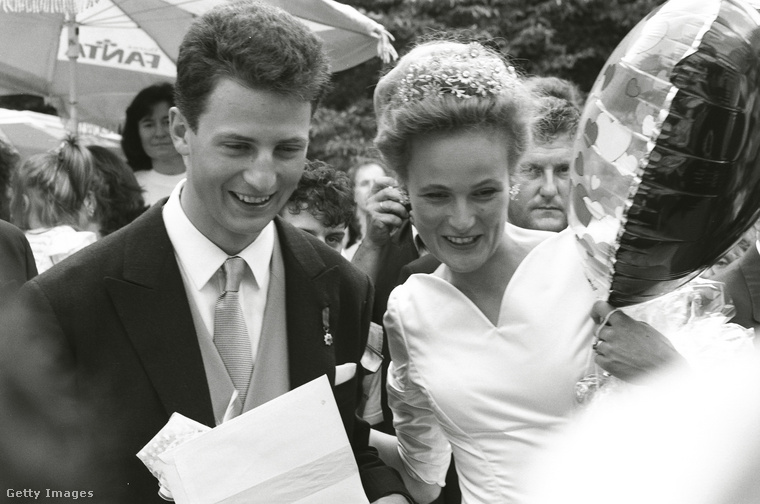 1993 júliusában házasodott össze Bajorországi Zsófiával, ez a fekete-fehér fotó is ekkor készült róluk
