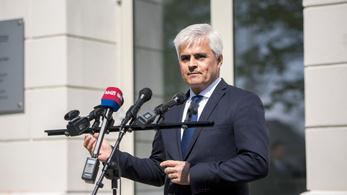 Leváltják a Pécsi Tudományegyetem kancellárját