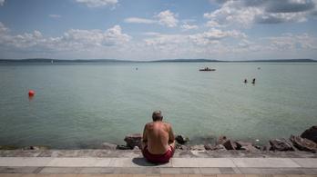 Varga Mihálytól kérik, hogy ne legyen a Balaton-part végig fizetős