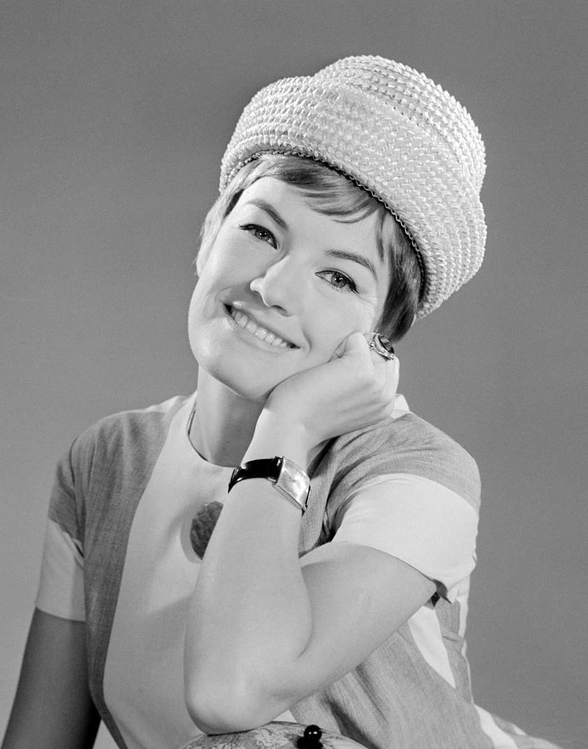 Földi Teri immár Jászai Mari-díjas színésznőként 1964 augusztusában, a Vígszínház társulatának tagjaként