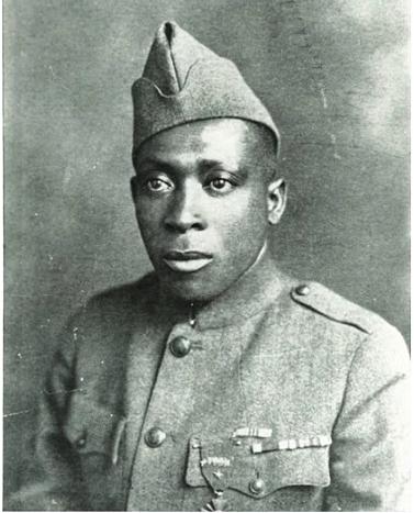 Johnson 1917. június 5-én vonult be a seregbe.