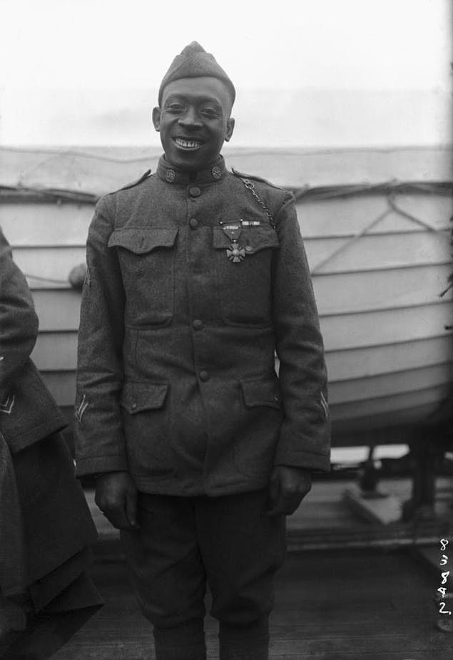 Johnson még amerikai egyenruhában 1918-ban.