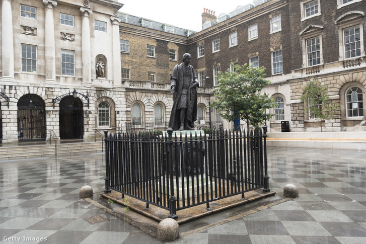 Thomas Guy szobra Londonban