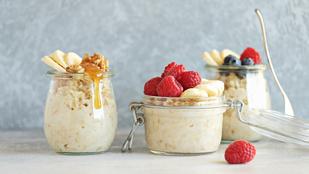 Másnapos zabkása reggelire: glutén-, tojás-, cukormentes recept (és tejmentessé is tehető)