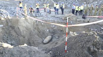 Hatástalanították a féltonnás bombát a Rákóczi hídnál