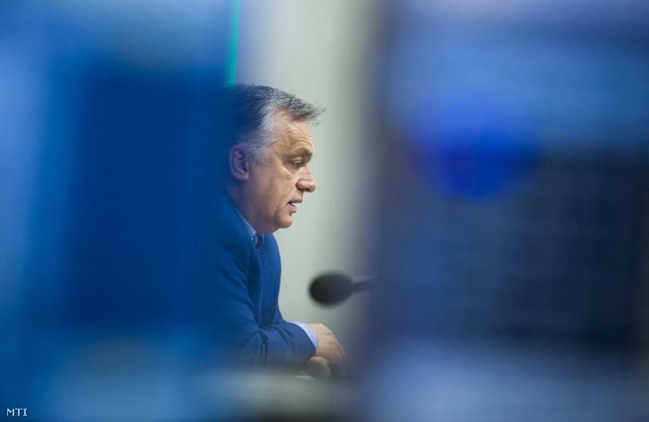 Orbán Viktor miniszterelnök interjút ad a Kossuth rádió stúdiójában 2018. november 23-án.