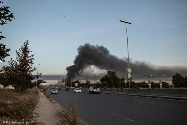 Halifa Haftár támadása Tripoliban 2020. május 6-án.