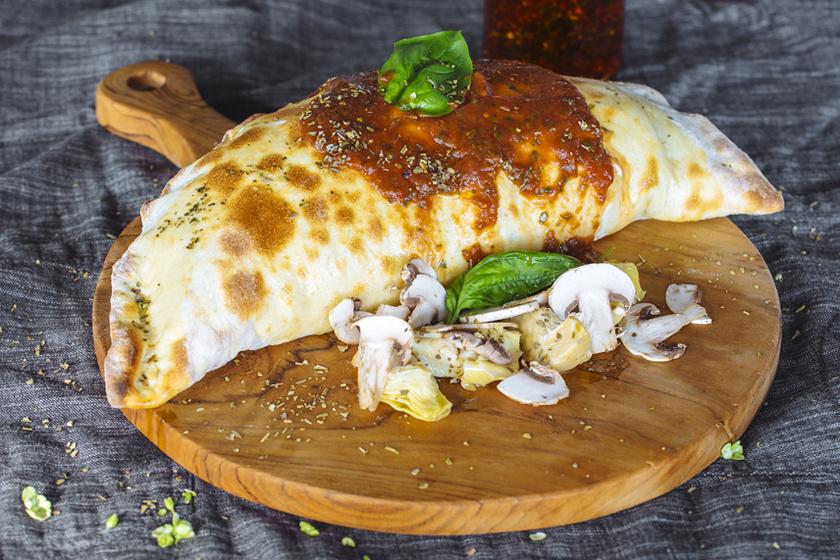 Isteni olasz, töltött pizza - A gombás calzone megéri a fáradtságot