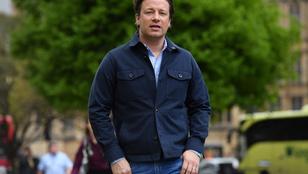 Jamie Oliver étteremlánca 32 milliárd forintnyi adóssággal csődölt be