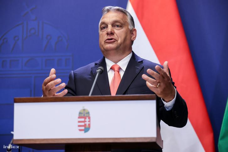 Orbán Viktor a sajtótájékoztatón