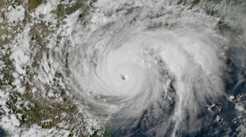 20,5 billió forintos kárt okozott a klímaváltozás a Harvey hurrikánnal